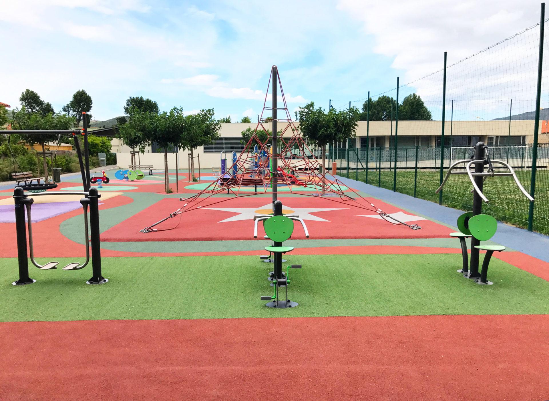 machines fitness et aire de jeux