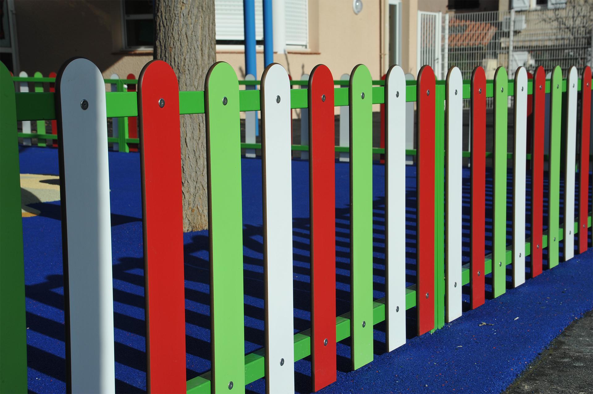 clôture multicolor