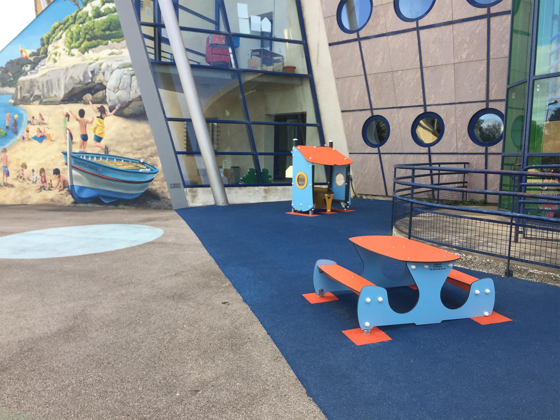 table enfants bleu